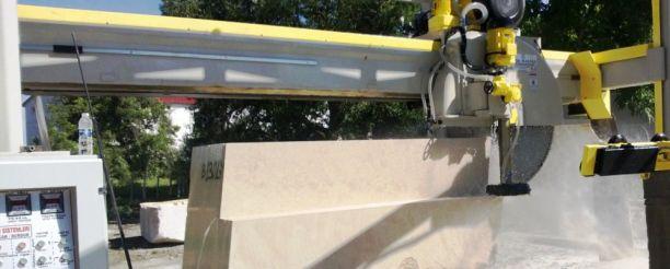 vrazta-limestone-block-cutting